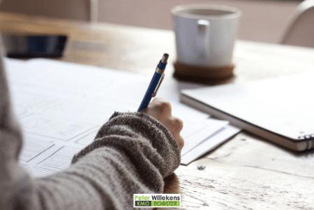 Schrijven in een notitieboekje